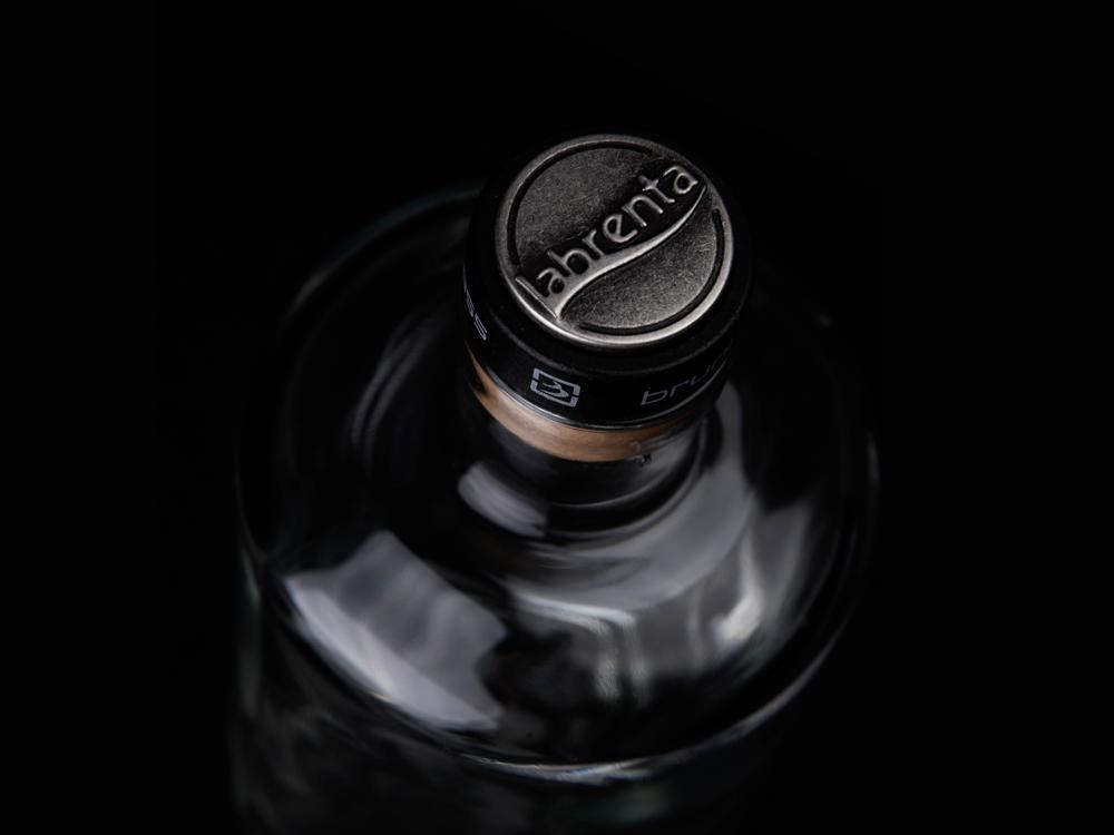 JUNDO bottle + BARTENDER closure